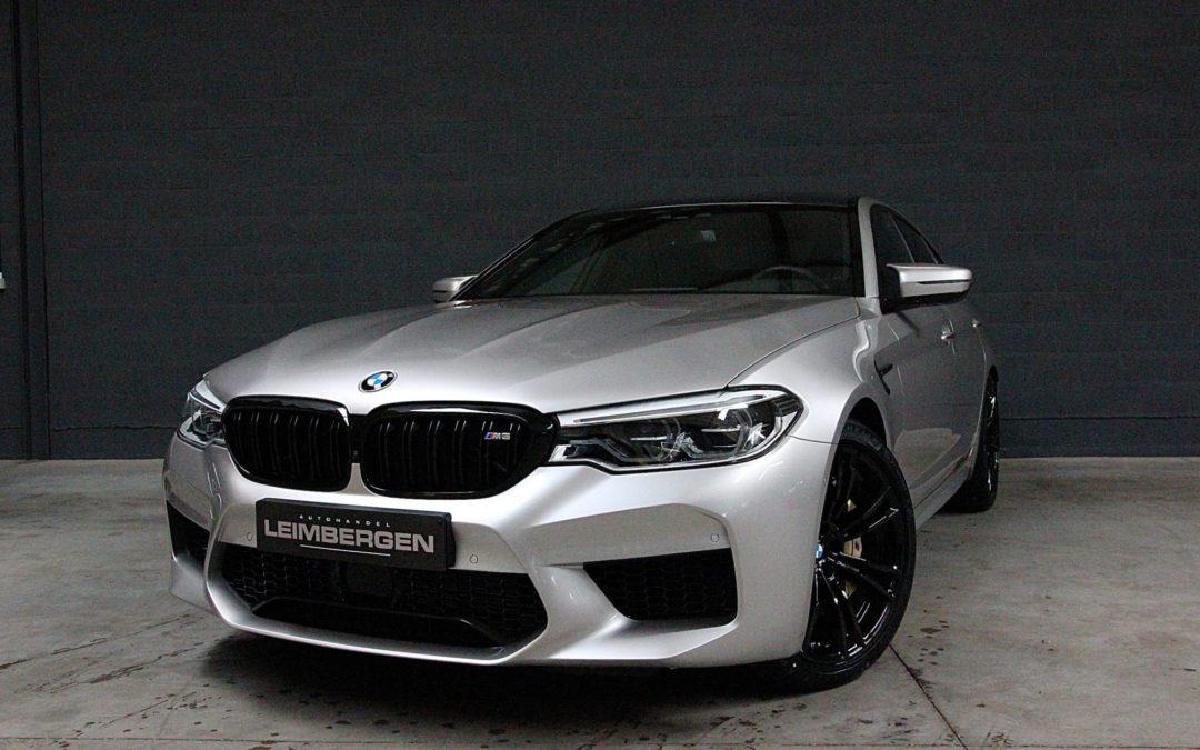 BMW M5 4.4 V8 – Ceramic brakes – Nieuwprijs: 154.715 euro