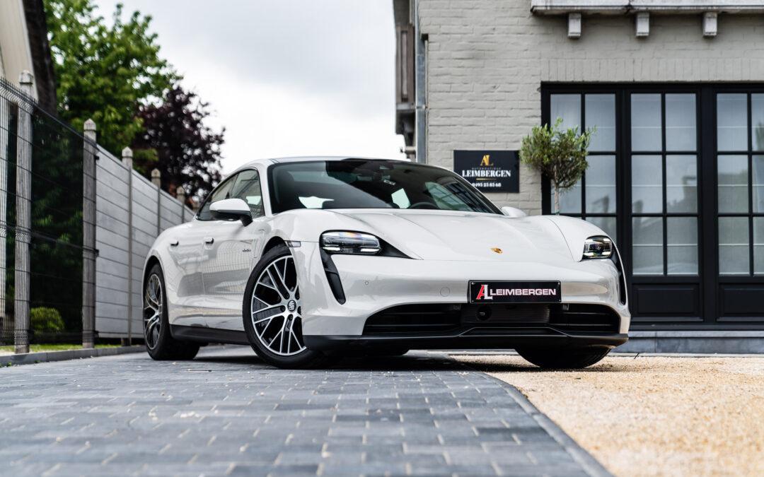 Performance Plus batterij (93,4 kWh) / Sport Chrono / Porsche Electric Sport Sound / BOSE Surround Sound System / Stuurwielverwarming / Stoelverwarming / Warmtepomp / Panoramisch dak